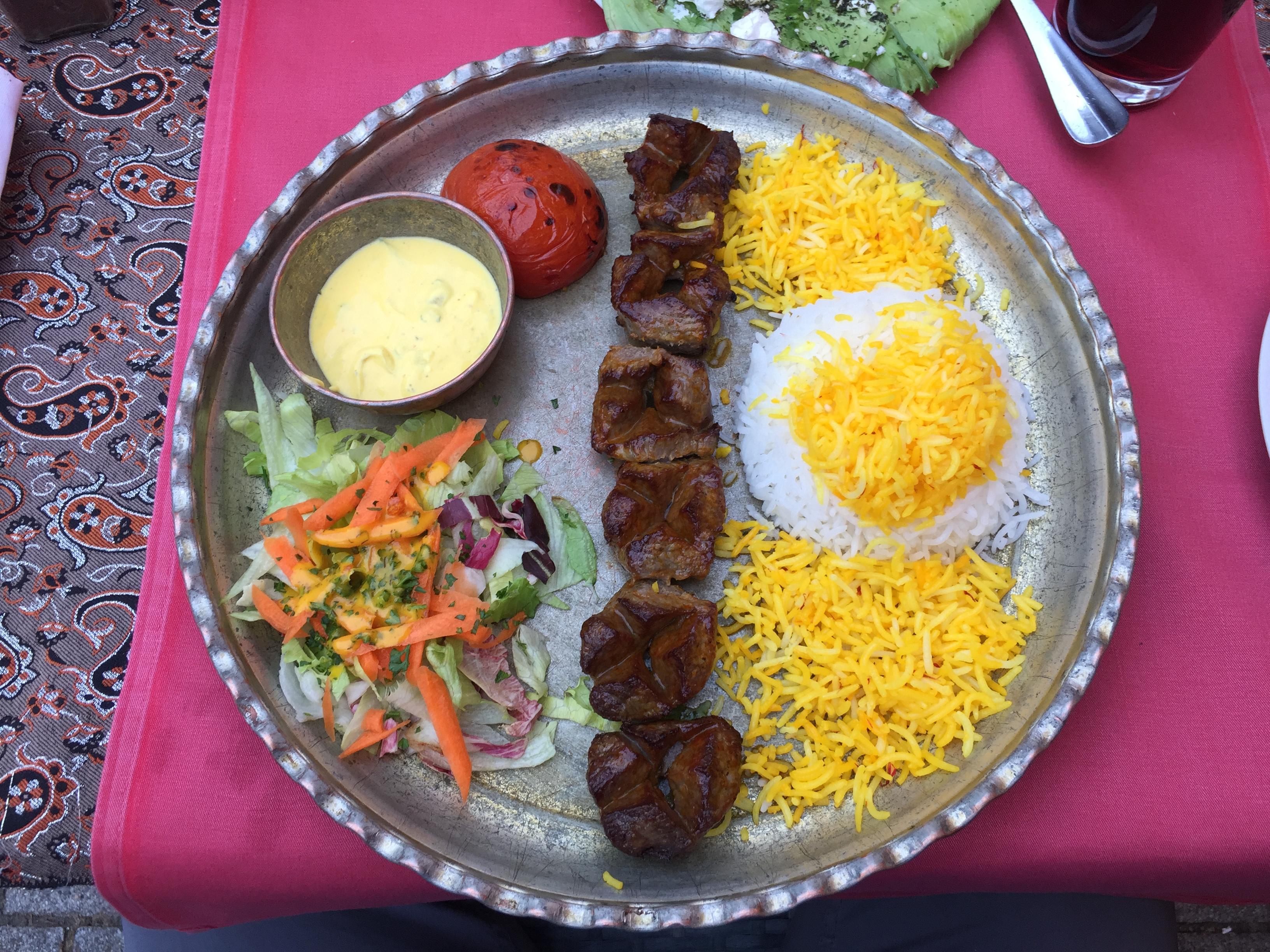 Kabab Spieß mit Lammfleischstücken